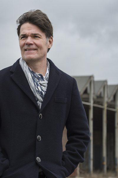 Pix4Profs-Ron Magielse burgemeester paul depla bij het havenkwartier, breda university of applied sciences en vv baronie.